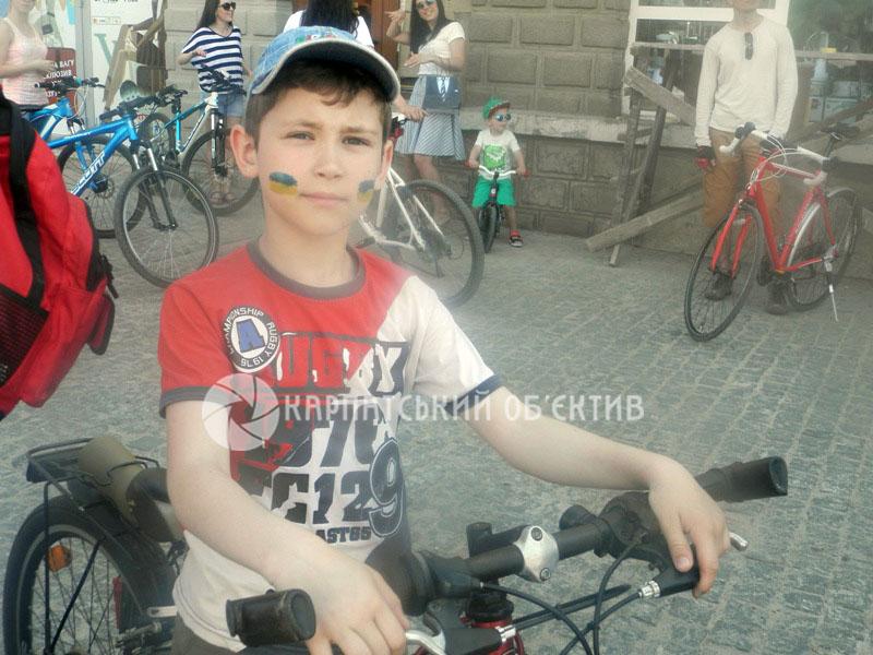 До Всеукраїнського велодня в Хусті відбувся велопробіг. ФОТО