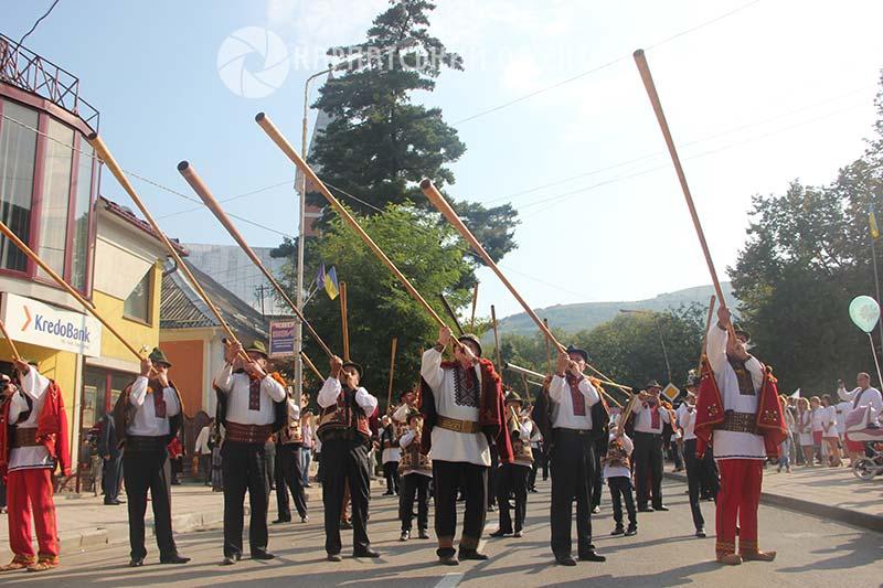 ХХІІІ Міжнародний гуцульський фестиваль a06acc8c17b16