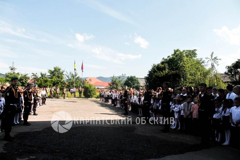 У Мукачеві відкрили пам'ятник загиблим бійцям АТО Вільгельму Штолцелю та Роберту Кісу. ФОТО