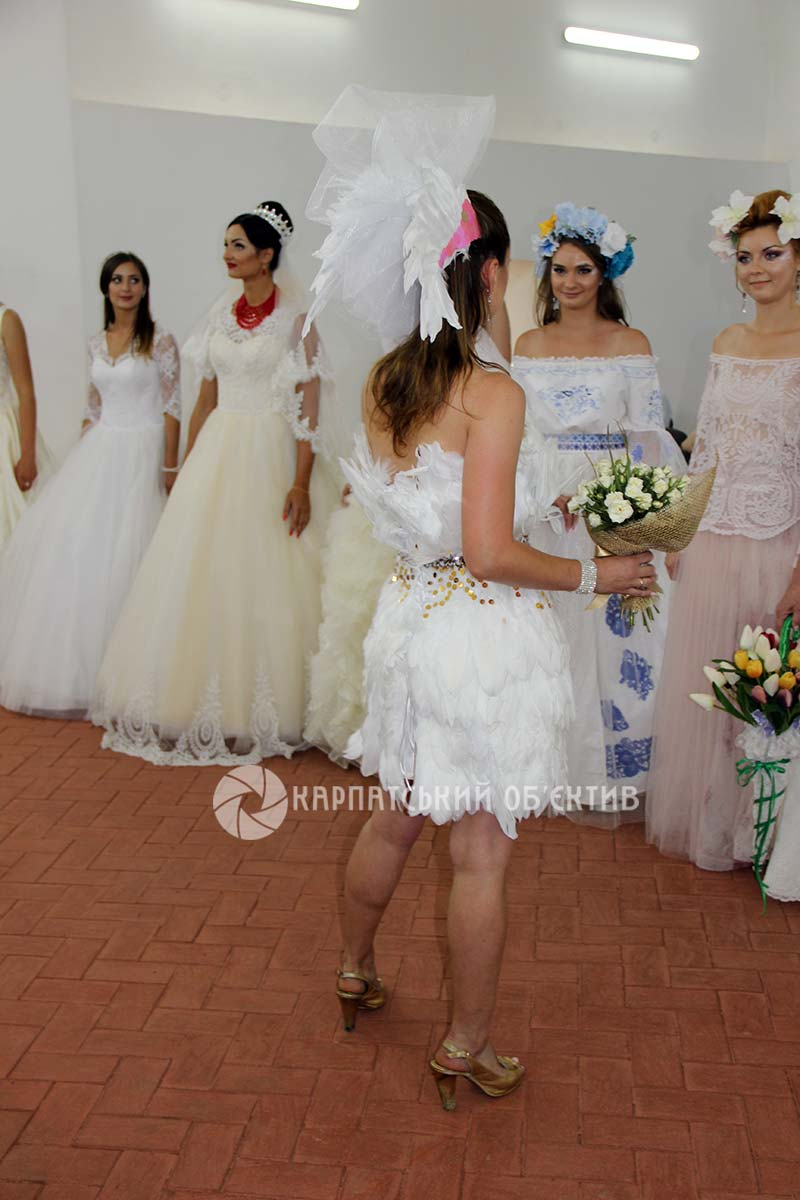 Ужгород полонили наречені