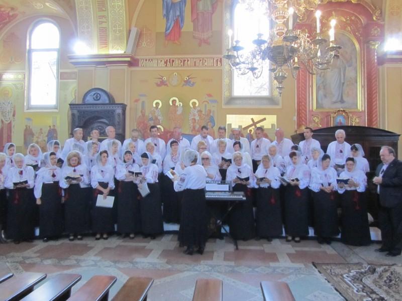 Хустський церковний хор відзначив свій 25-річний ювілей подячною Літургією