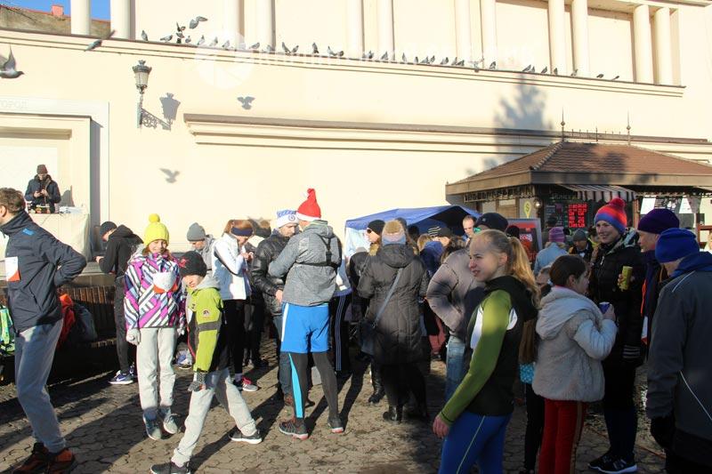 Благодійний забіг до Дня Святого Миколая зібрав рекордну кількість учасників в Ужгороді