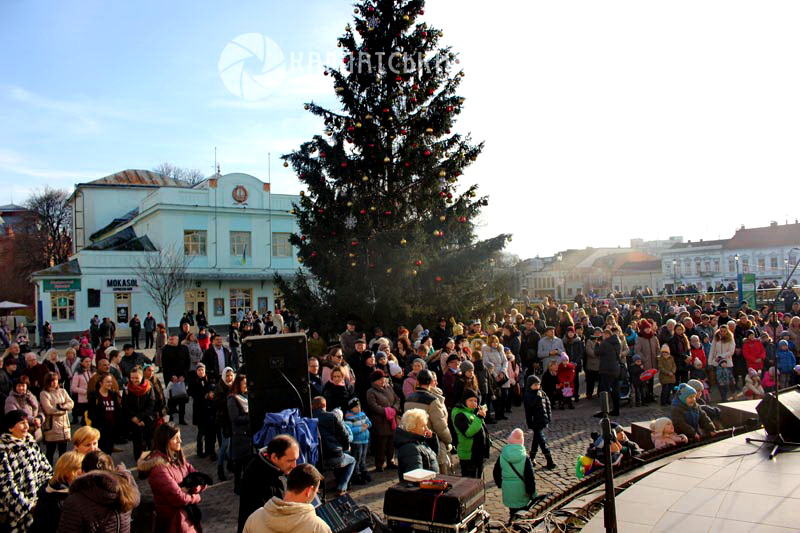У середмісті Ужгорода відбулося вертепне дійство «Христос Родився! Всім возвіщаєм!»
