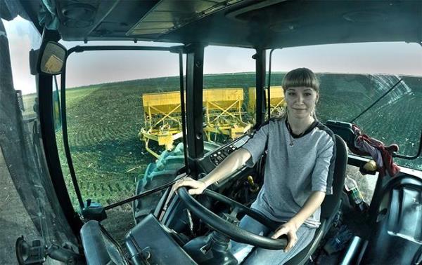 tractor__youtube_com_dmitry_gavrilov__650x410 — копия