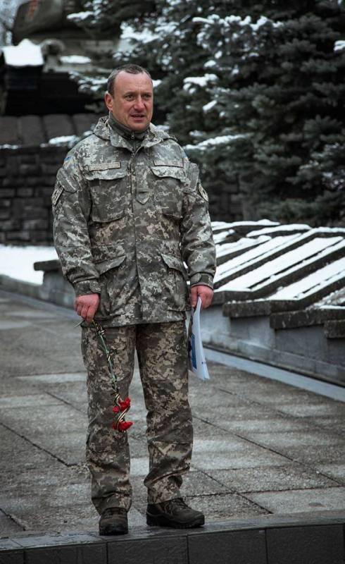В Ужгороді вшанували бійців, які боронили Дебальцеве. ФОТО