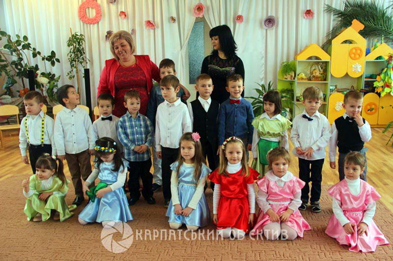 В угорськомовній групі для дошкільнят НВК  Ялинка  відбулось яскраве свято  весни. ФОТО be74a770aa09c