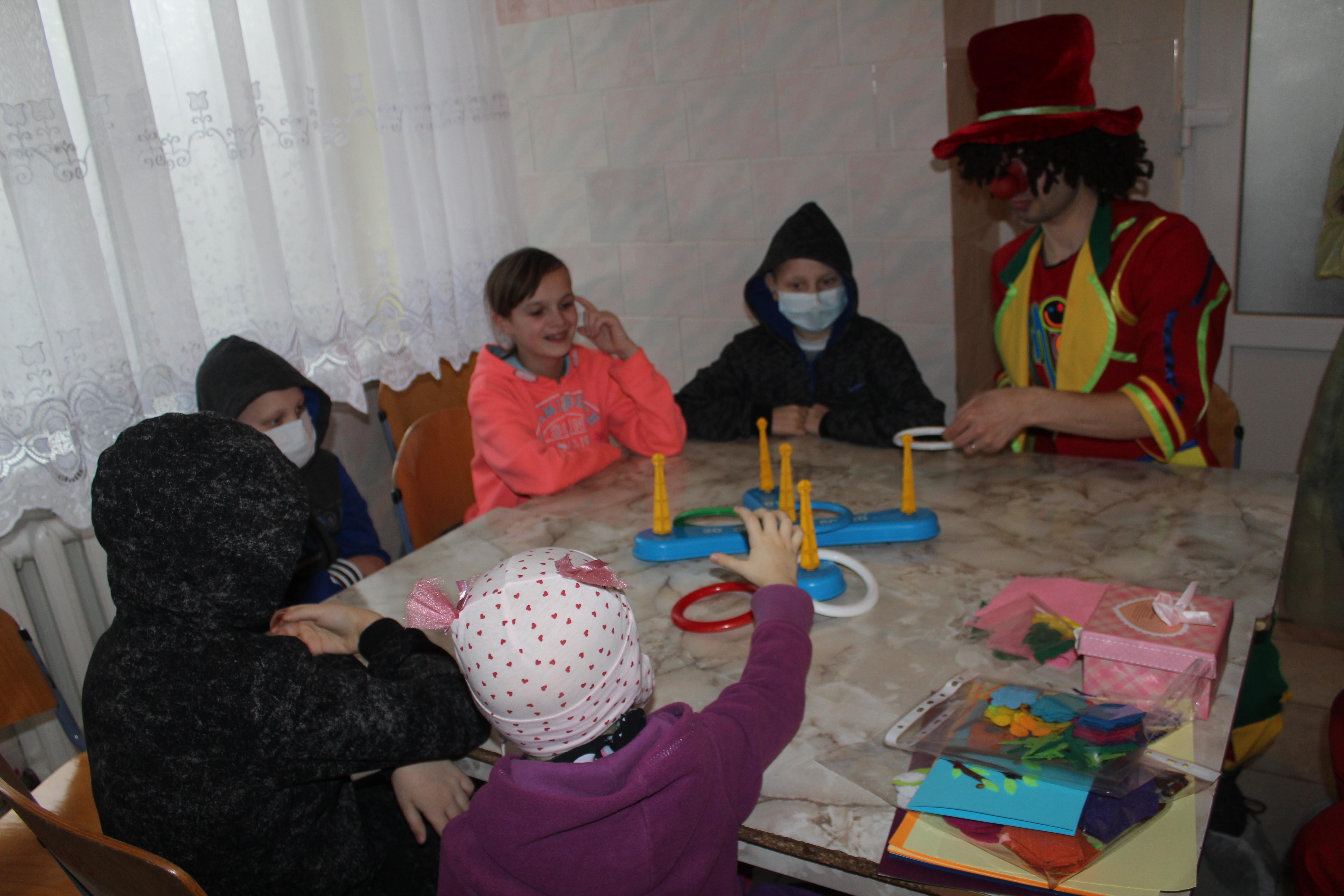 Закарпатцям пропонують долучится до облаштування ігрового куточка для онкохворих дітей