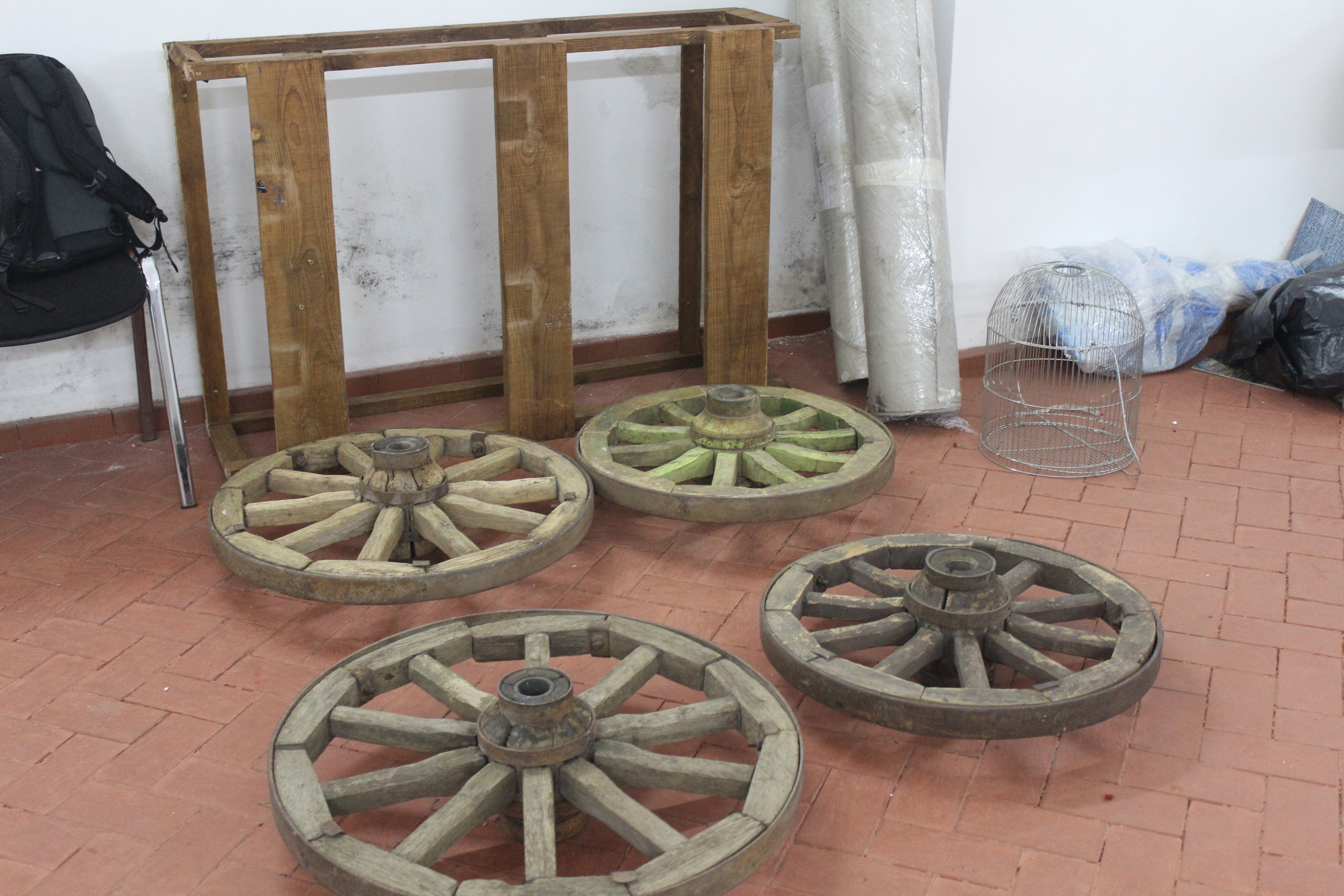 Експонати виставок форуму «СлободаКульт» уже доставили в Ужгород