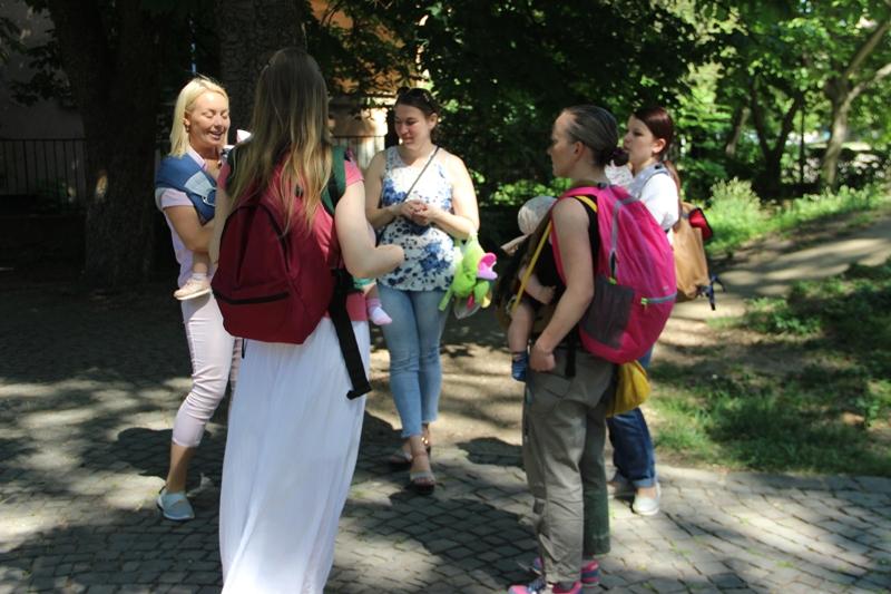 Ужгородські слінгомами влаштували парад