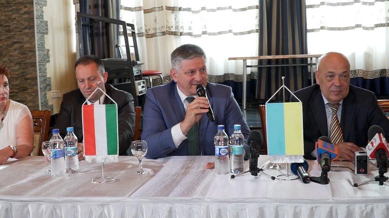 Закарпаття отримало від Угорщини вакцини на 600 тисяч євро. ФОТО, ВІДЕО