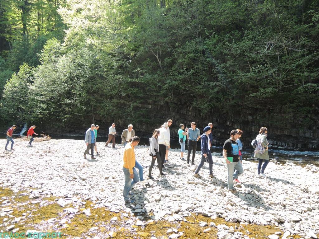 Для молодих екскурсоводів провели тематичний тур по Закарпаттю. ФОТО