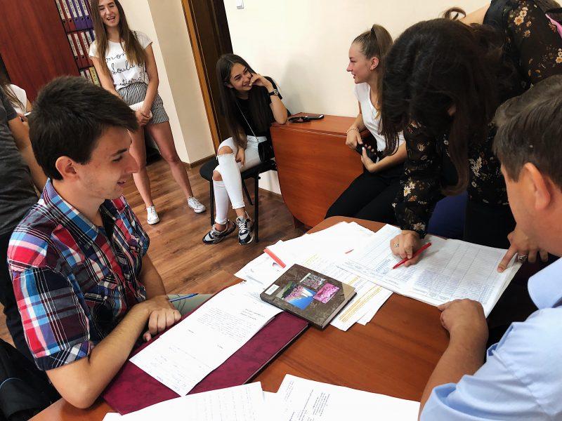 У Мукачівській міській раді розпочалося стажування школярів