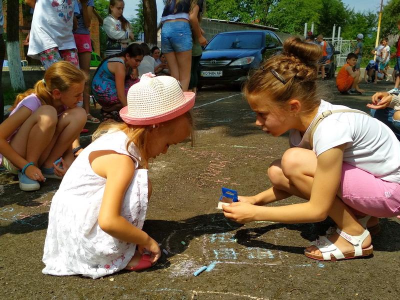 Школярам Хустщини допомагають спланувати професійне майбутнє