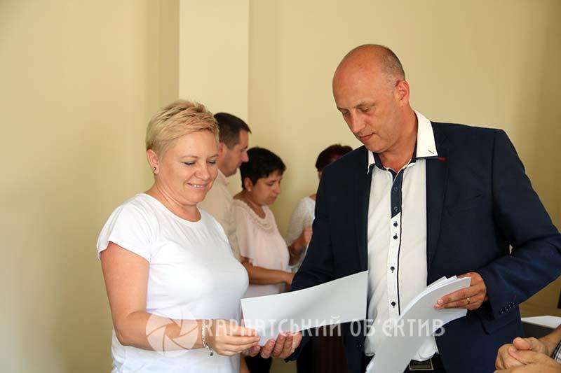 Новим фахівцям закарпатського туризму вручили сертифікати