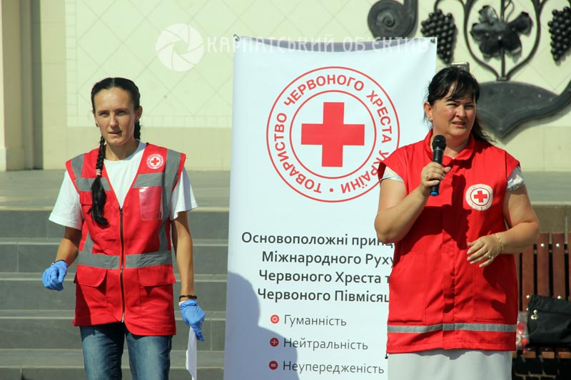 Ужгородців вчили як правильно надавати першу допомогу при ДТП