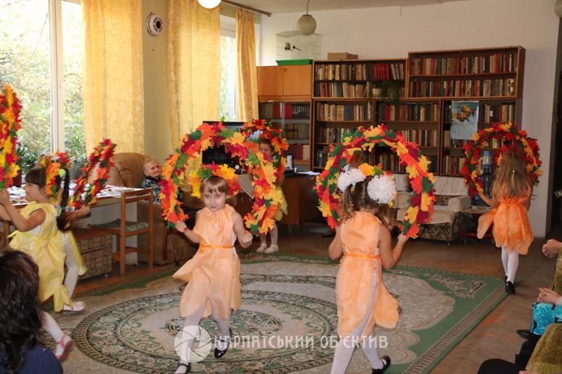 До Дня людей похилого віку в Ужгороді провели концерт