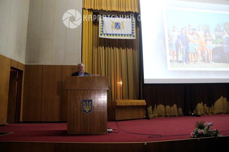 День відкритих дверей в УжНУ: урочистості, ярмарок факультетів та екскурсія вишем
