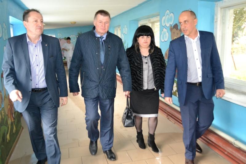 Обласний сиротинець у Сваляві привернув увагу не лише керівництва краю, а й Генконсула Угорщини