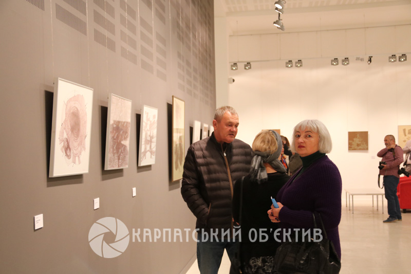 В ужгородській «ILKO Gallery» презентували виставку графіки