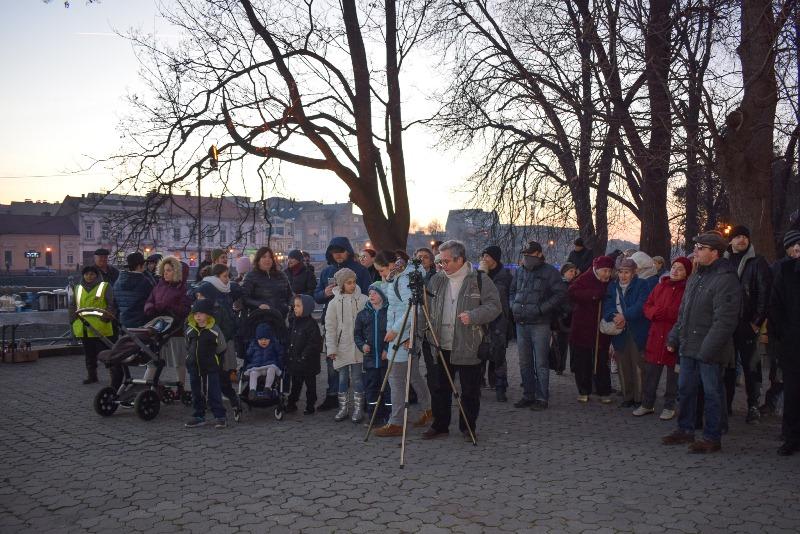 В Ужгороді відбулося запалювання менори з нагоди єврейського свята Хануки