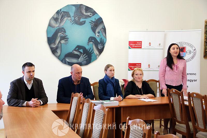 У Берегові фахівцям туристичного супроводу вручили посвідчення державного зразка. ФОТО, ВІДЕО