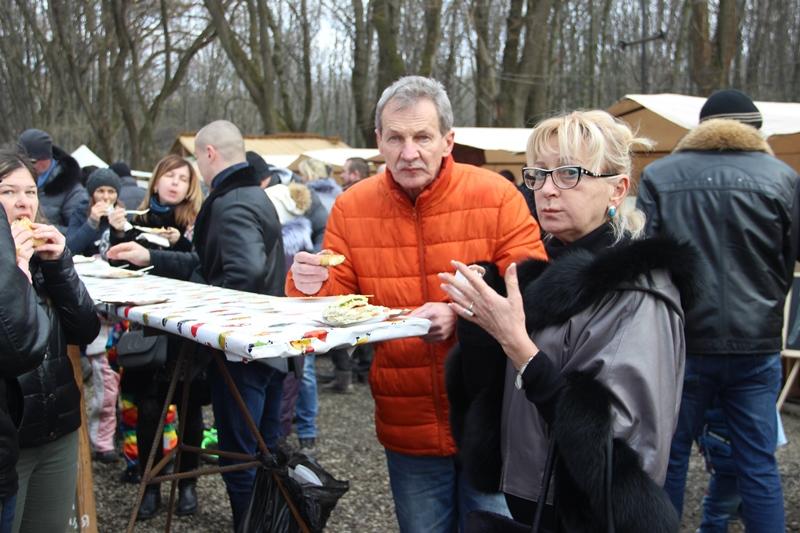 Ювілейна «Ужгородська палачінта» дивувала гостей чорними млинцями та міні-паровозиком