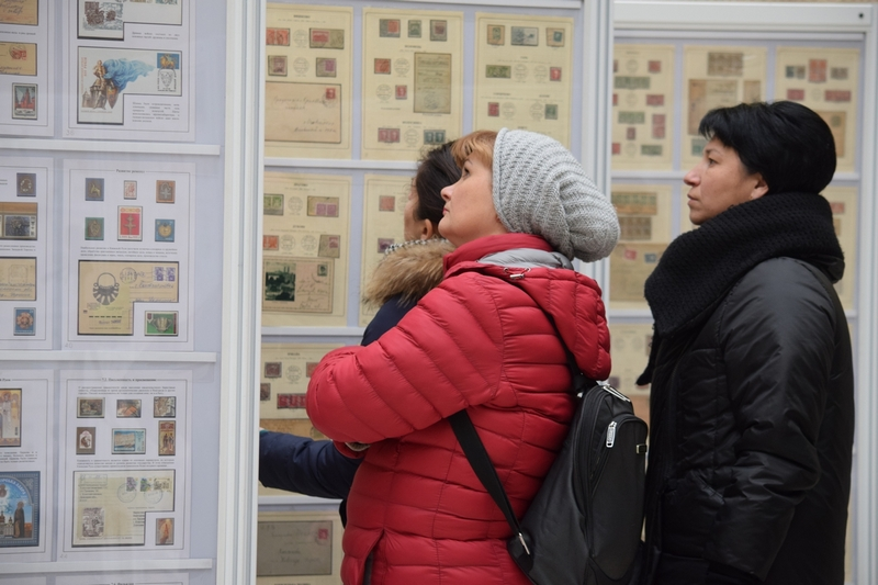 У Закарпатській ОДА відкрили виставку «Закарпатфіл-2019». ФОТО