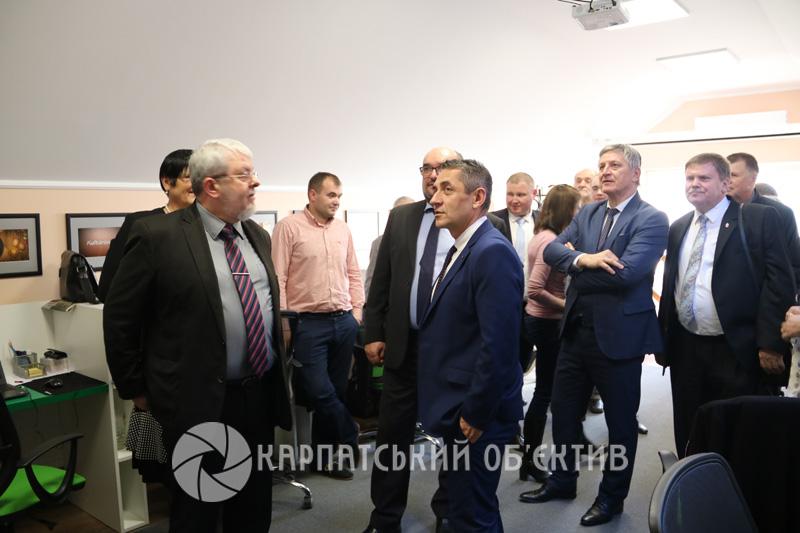 Урочисто відкрили регіональну студію телеканалу «21 Ужгород»