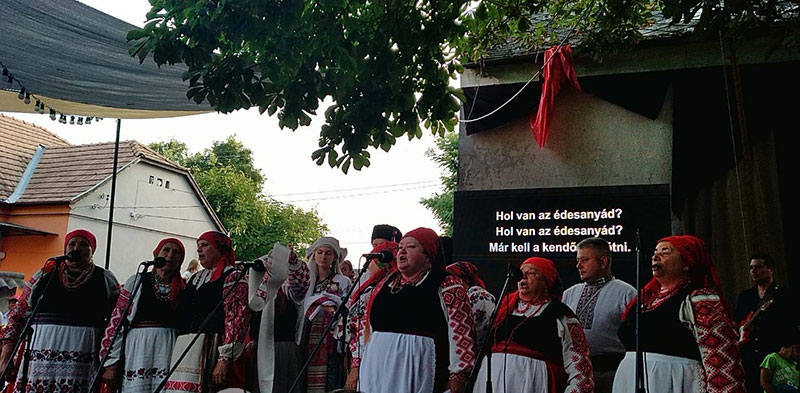 «Український двір» – колоритна родзинка відомого угорського фесту