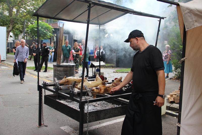 Ужгород фестивалить: колоритний «hUNGary Fest» дивував юртою та смаженими поросятами. ФОТО