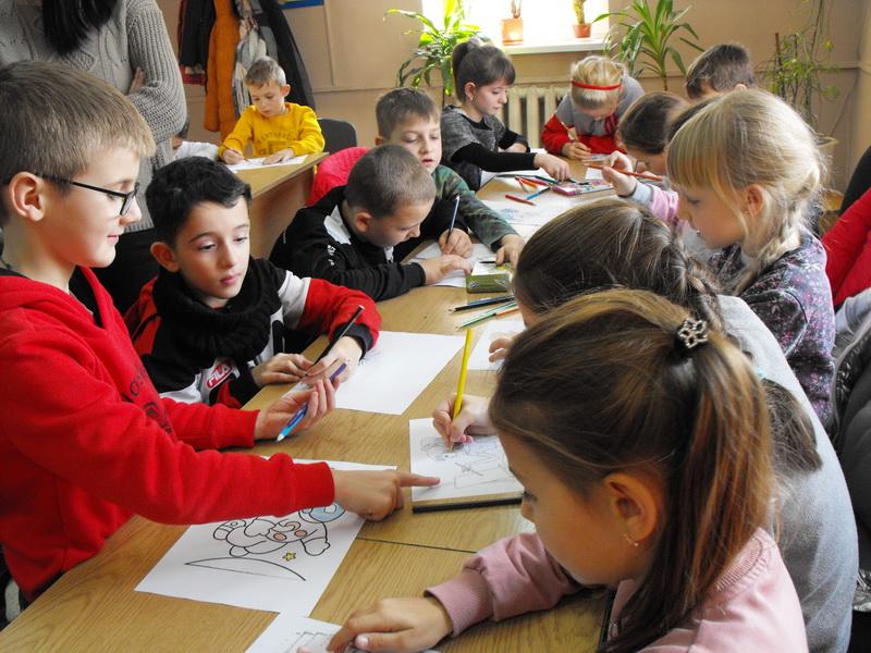 Маленькі Хустські школярі пізнавали світ професій