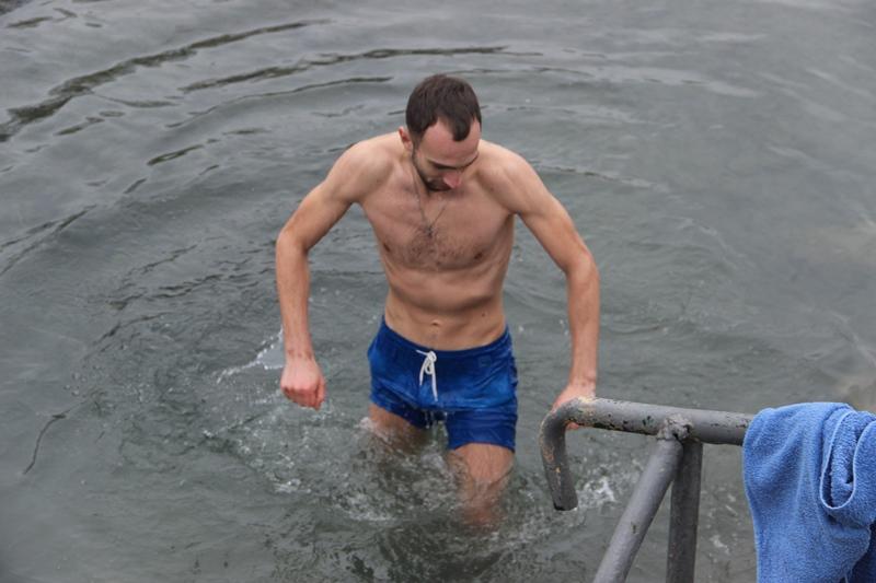 Як ужгородці купалися на Водохреща. ФОТО